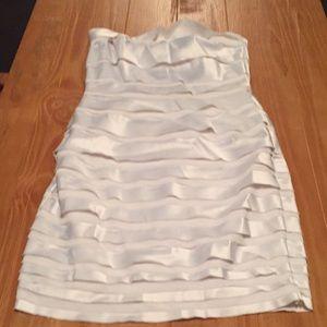 Size 0 White House Black Market Dress